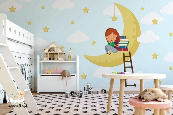 dziewczynka czyta książki na żółtym księżycu - fototapeta dla dzieci