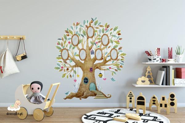 drzewko z miejscami na portrety rodziny - naklejka