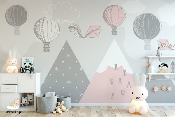 kolorowe balony unoszą się nad górami - fototapeta dla dzieci