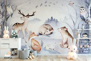 leśna polana ze zwierzętami w zimowej aurze - fototapeta dla dzieci